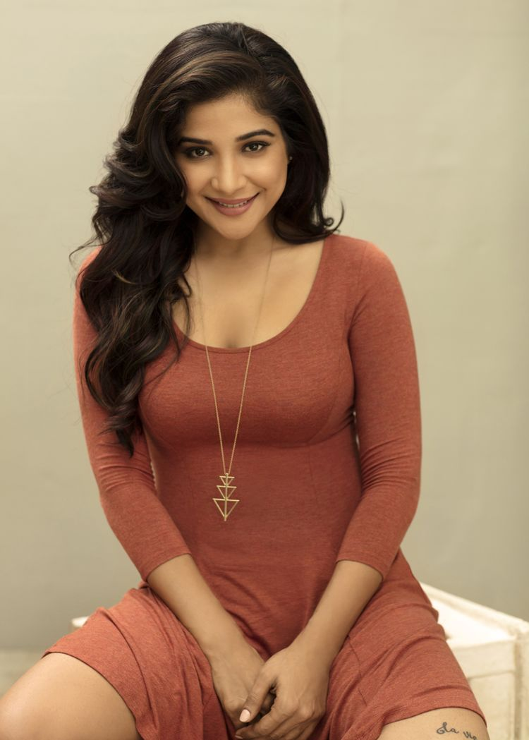 Desi Beauty Sakshi Agarwal