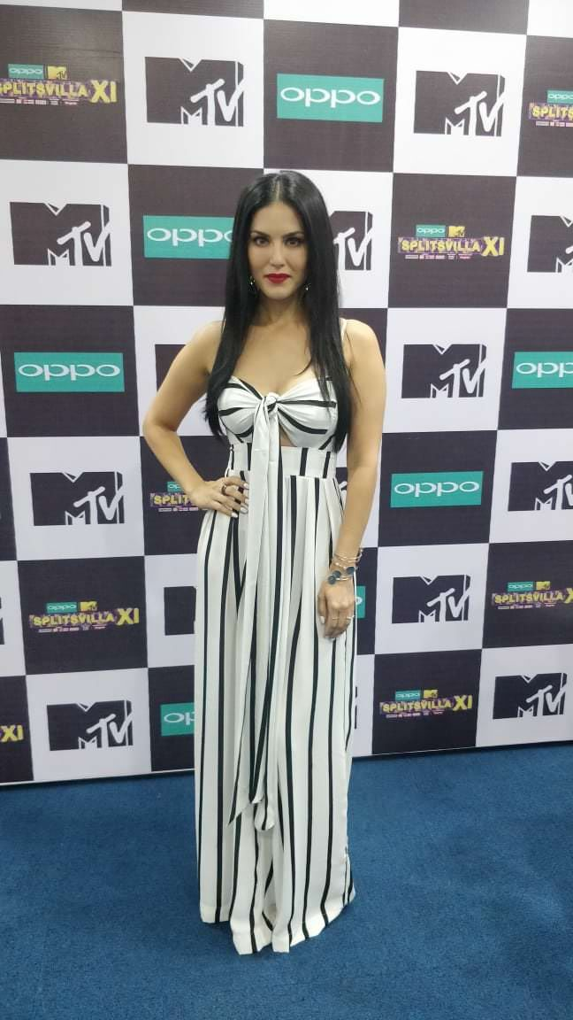 Sunny Leone Redefines Simplicity With Her Alluring Couture