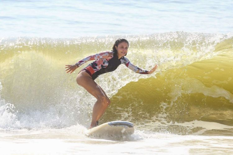 Bethenny Frankel Surfing The Waves In The Hamptons