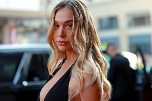 Pretty Alexis Ren In Black At 'Reminiscence' Premiere In Hollywood