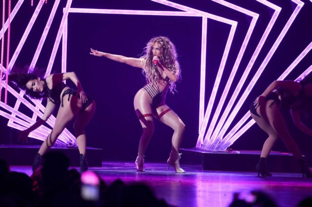 Jennifer Lopez's Rocking Performance At DIRECTV NOW Concert 2018