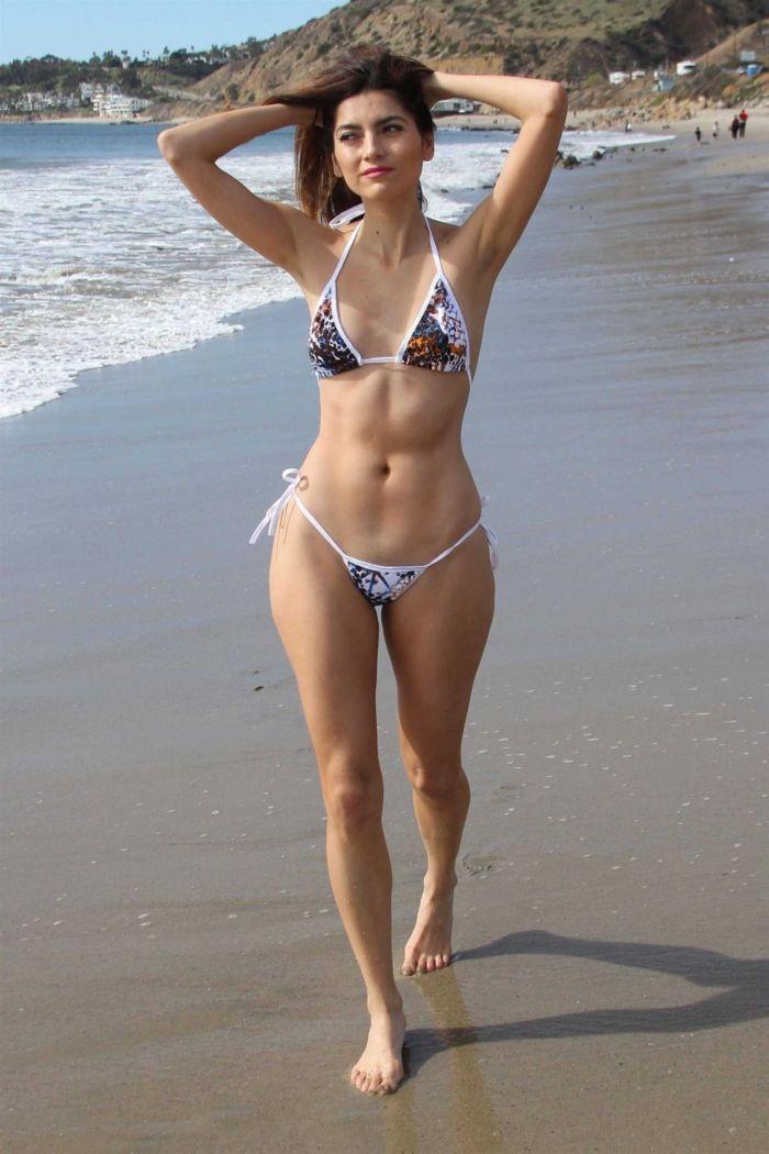 Blanca Blanco Enjoys Her Vacation In Bikini On The Beach